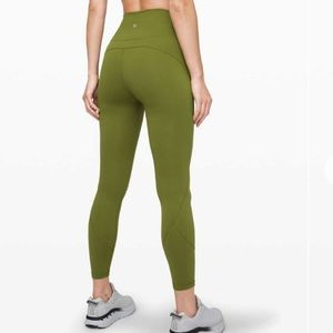"""NWOT Lululemon In Movement Tight 25"""" - Size 10"""